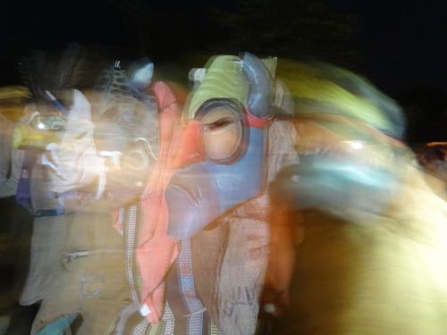 El nacimiento de todos los Diablos pasada la media noche del primer día desdibuja la diferencia entre la realidad y la fantasía; con apoyo de los músicos y la chicha los Diablos inician una especie de trance que tardará varios días.