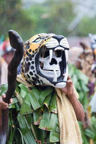 El último día de la Fiesta de los Diablitos, los participantes nos muestran sus mejores máscaras, algunas heredadas de familiares que eran antiguos jugadores, otras realizadas o arregladas por ellos mismos.