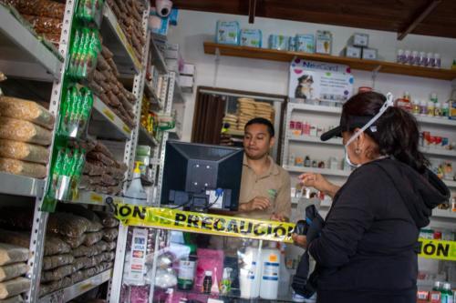 Comercio con medidas de precaución ante la pandemia de Covid-19 en Coronado. Marzo 2020.