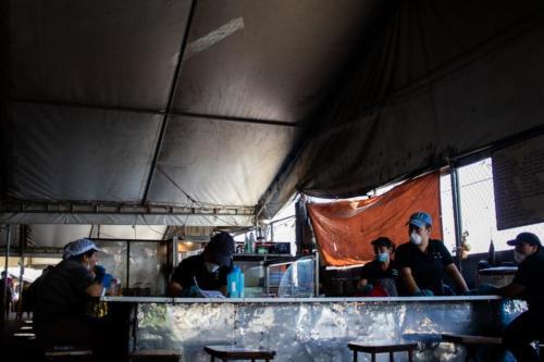 Puestos de comida en la Feria del Agricultor, Vázquez de Coronado durante la pandemia de Covid-19, Marzo 2020.